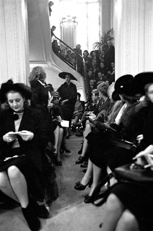 12 février 1947 1er défilé Christian Dior Avenue Montaigne © Eugene Kammerman/Gamma-Rapho