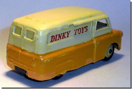 Dinky Toys Bedford 02