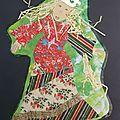 La reine de Noël collage papiers cadeaux et fond peint