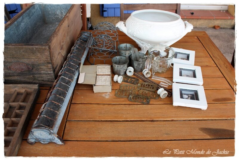 Jardinière, pots à faisselle, plaques