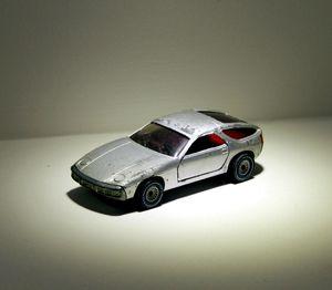 Porsche 928 de chez Siku 01