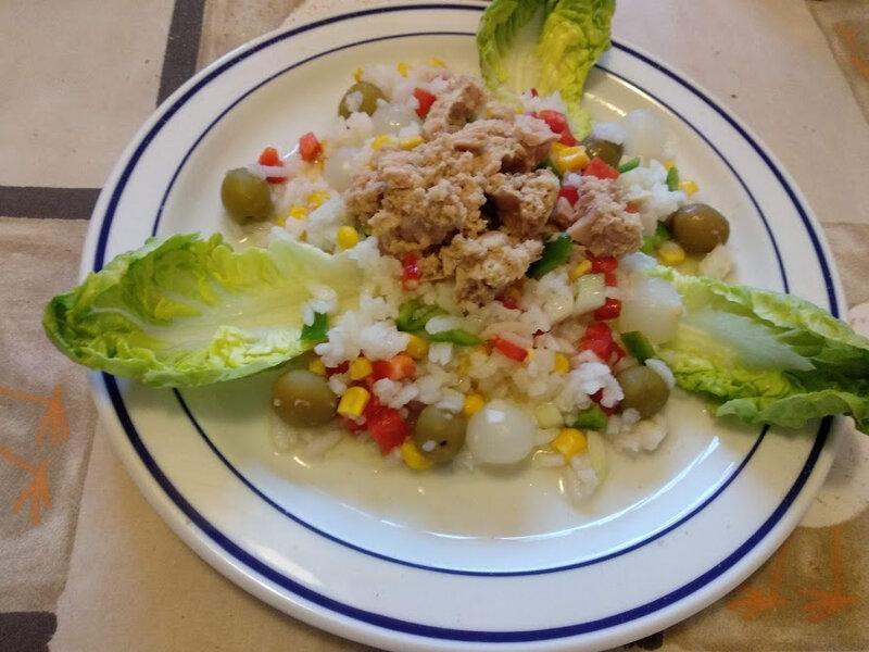 Salade de riz au thon et aux 2 poivrons et maïs