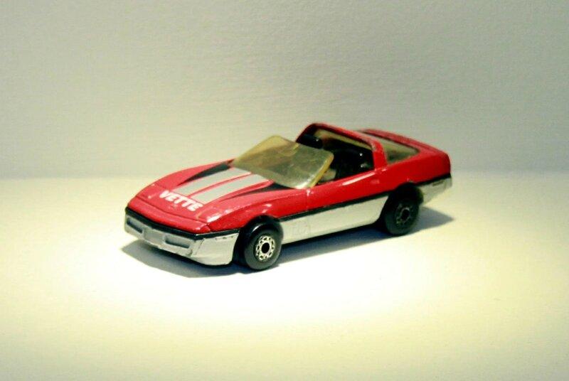Chevrolet corvette de 1984 (Matchbox) 01