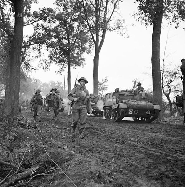 595px-Infantry_and_carriers_of_the_15th_(Scottish)_Division,_during_the_assault_on_Liesel,_Holland,_2_November_1944__B11658