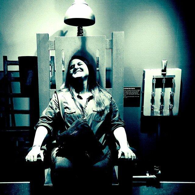 Une chaise lectrique vendre la quotidienne du darde - Execution chaise electrique ...