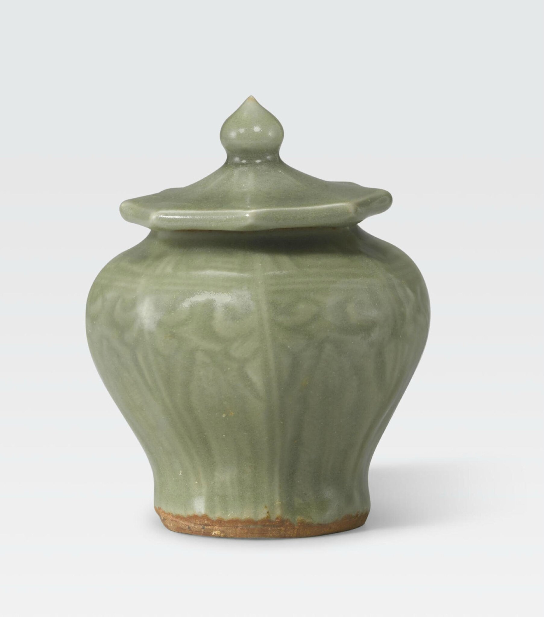 A Longquan celadon jarlet and cover, Ming Dynasty