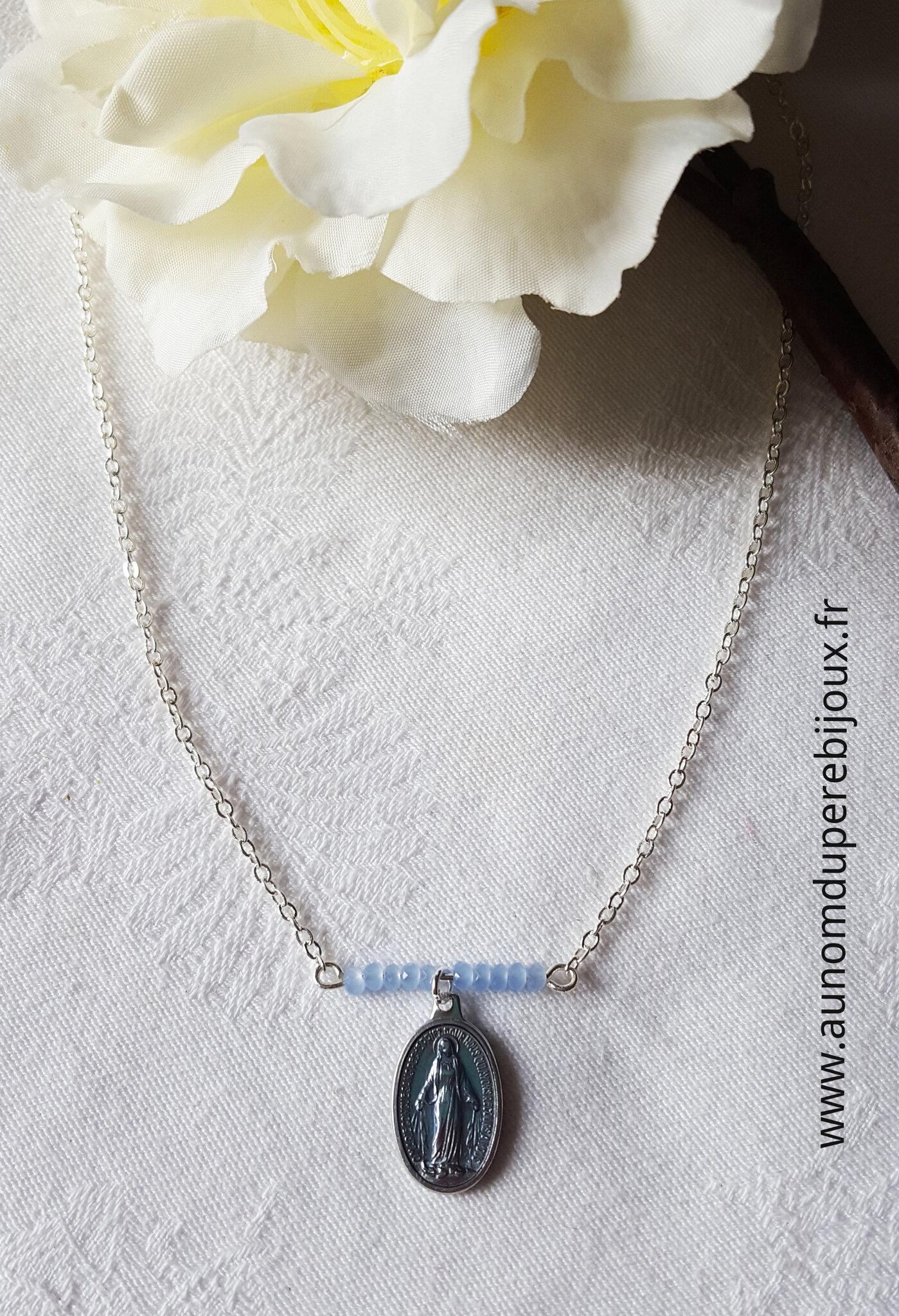 Collier Maria (bleu clair) - 15 €