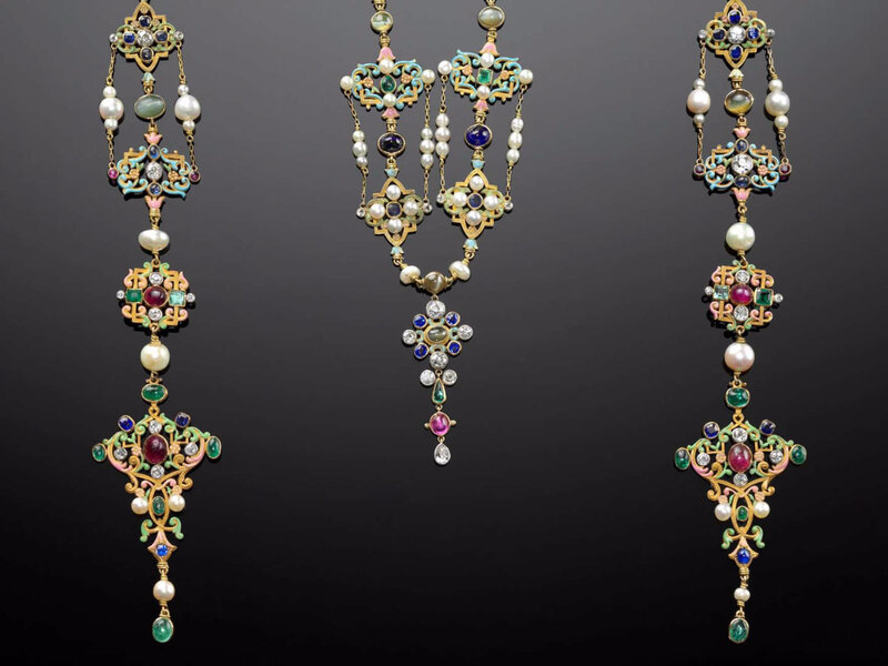 """""""Past Is Present: Revival Jewelry"""" at MFA Boston"""