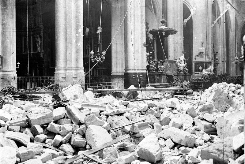 Eglise_St_Gervais_Paris_bombardement_1918