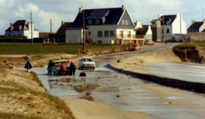 Ch26 - La route du Loch Primelin en bébut 1970b