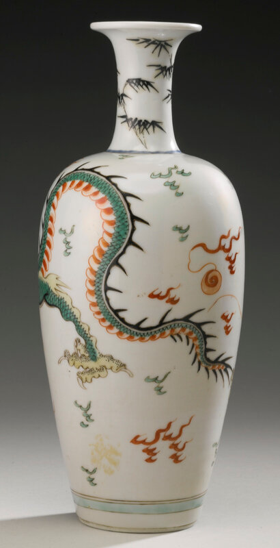 A famille-verte 'Dragon' vase, Qing dynasty, Kangxi period (1662-1722)2