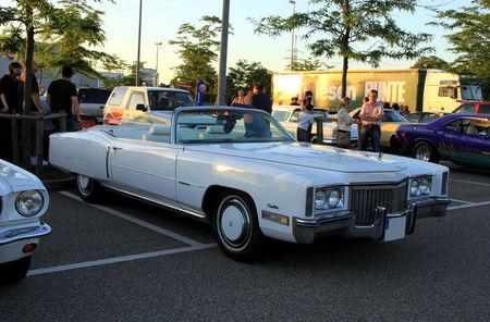 Cadillac_eldorado_2door_convertible_de_1972__Rencard_du_Burger_King_juin_2010__01