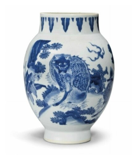 A blue and white 'Mythical Beast' jar, Transitional period, circa 1640-1660