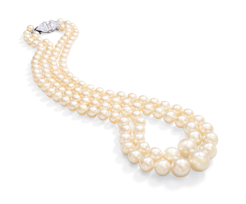 2019_GNV_17436_0128_001(natural_pearl_and_diamond_necklace)
