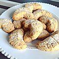 Biscuits croissants de lune aux noisettes