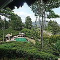 98 acres resort & spa : dormir face au little adam's peak...