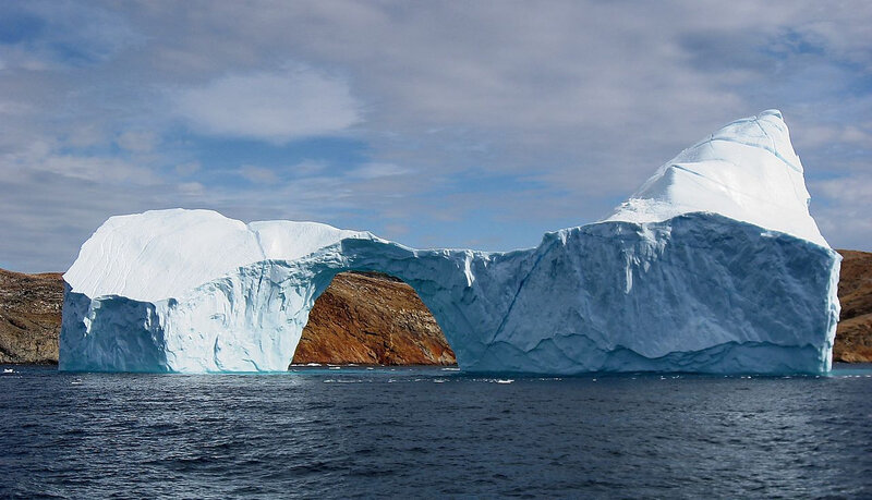 Iceberg_with_hole_near_Sandersons_Hope_2007-07-28_2