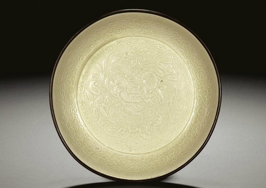 A 'Ding' moulded dish, Song-Jin dynasty (960-1234)