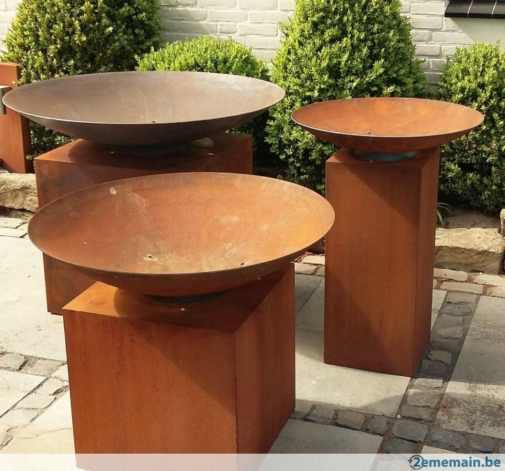 286272525_2-vase-et-piedestal-different-en-acier-corten