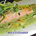 Saumon poché à l'huile d'olive, crème de poireaux confits
