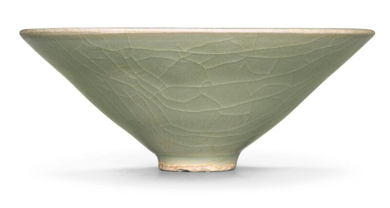 A 'Longquan' celadon bowl, Song dynasty (960-1279)