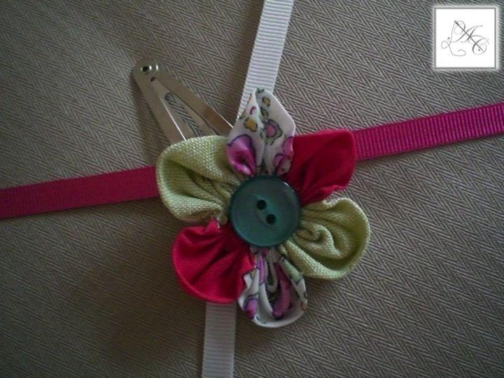 Barrette fleur fuchsia