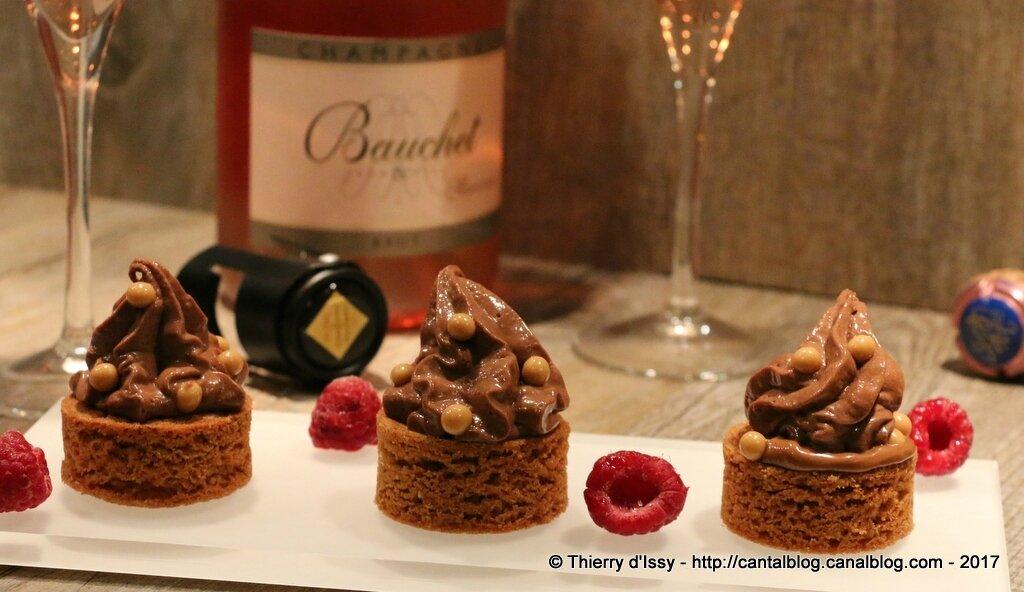 Le palais d'amour : mousse au chocolat, framboises et palet breton pour la Saint-Valentin