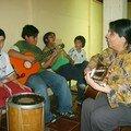 La Tía Celma dió clase de guitarra todo el año...Nos enseñó algunos cantos del folklor Navideño