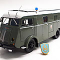 Berliet glb 19r car de commandement crs.1950. hachette. collection berliet. #16. 1/43.