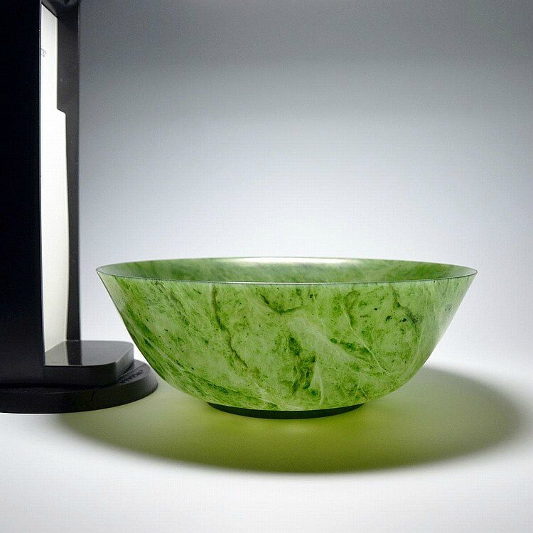 A Pair of Large Spinach Green Jade Bowls, Qing Dynasty, Yongzheng Six Character Mark and of the Period7
