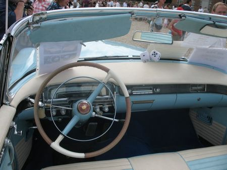 CadillacS62coupe1955int