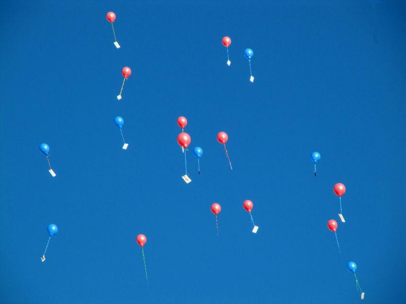 SAUVE 2009 Lâcher de ballons Atelier du ciel Noël