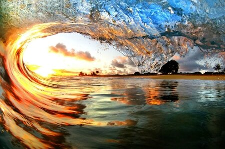 £££+reuse+fee+applies+-++Daredevil+photographers+Nick+Selway+and+CJ+Kale+amazing+pictures+of+the+surf+in+Hawaii