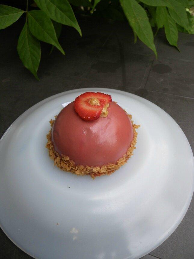 Dôme fraise & praliné