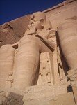 Abou_Simbel___Temple_de_Ramses_II_les_colosses_d_tail_2