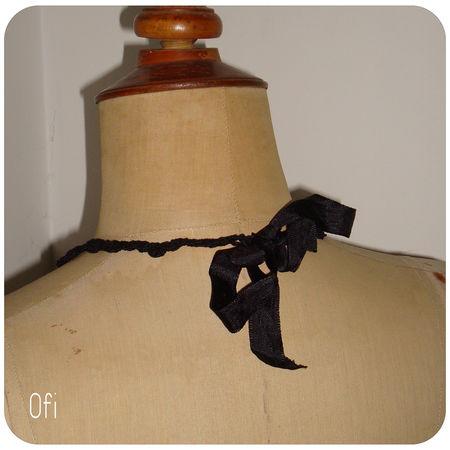 collier_fleurs_noir_au_crochet_3