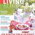 Ma mamie hippie dans living at home !