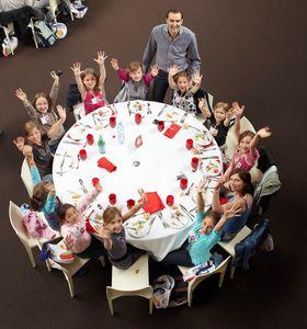 les_enfants_a_table_Vignette