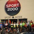 La pose devant Sport 2000 -4