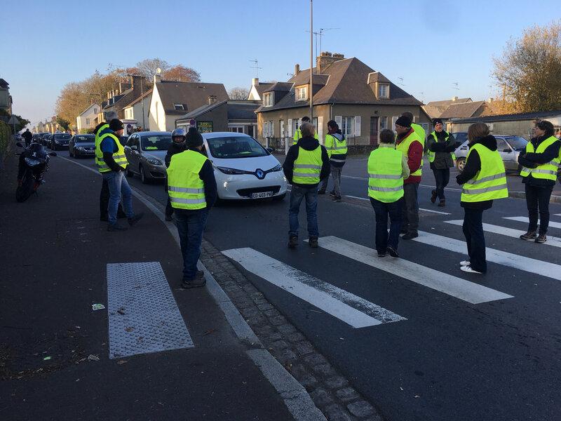 gilets jaunes_17 novembre Marcey-les-Grèves-Marcey_blocage_mouvement