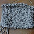 Baï jia bei : un carré tricoté