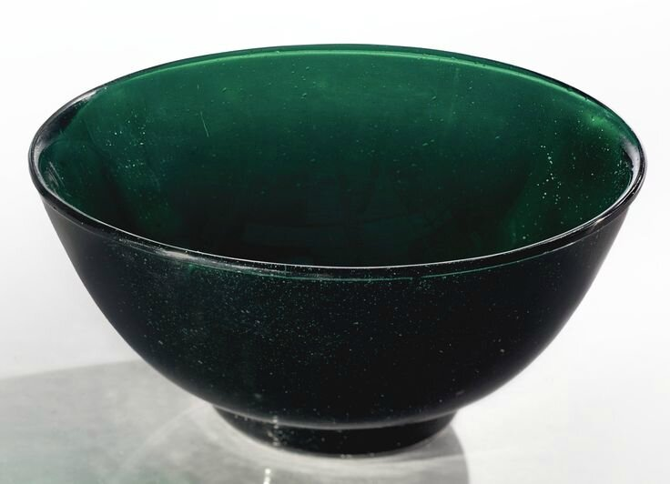 A transparent green glass bowl, Qianlong mark and period
