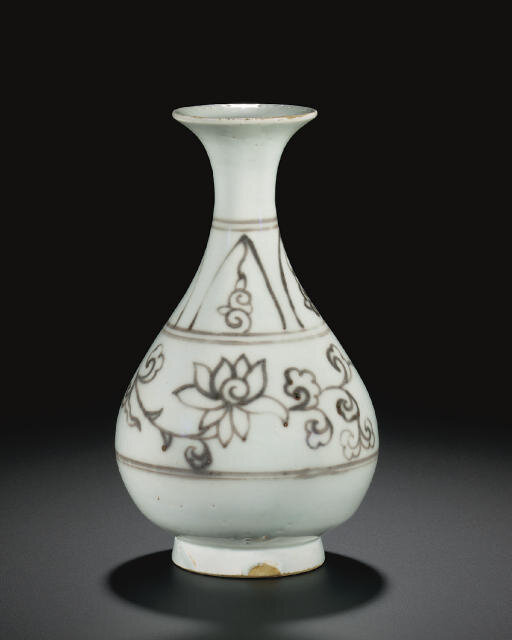 A very rare underglaze-red-decorated pear-shaped bottle vase, yuhuchunping, Yuan dynasty (1279-1368)