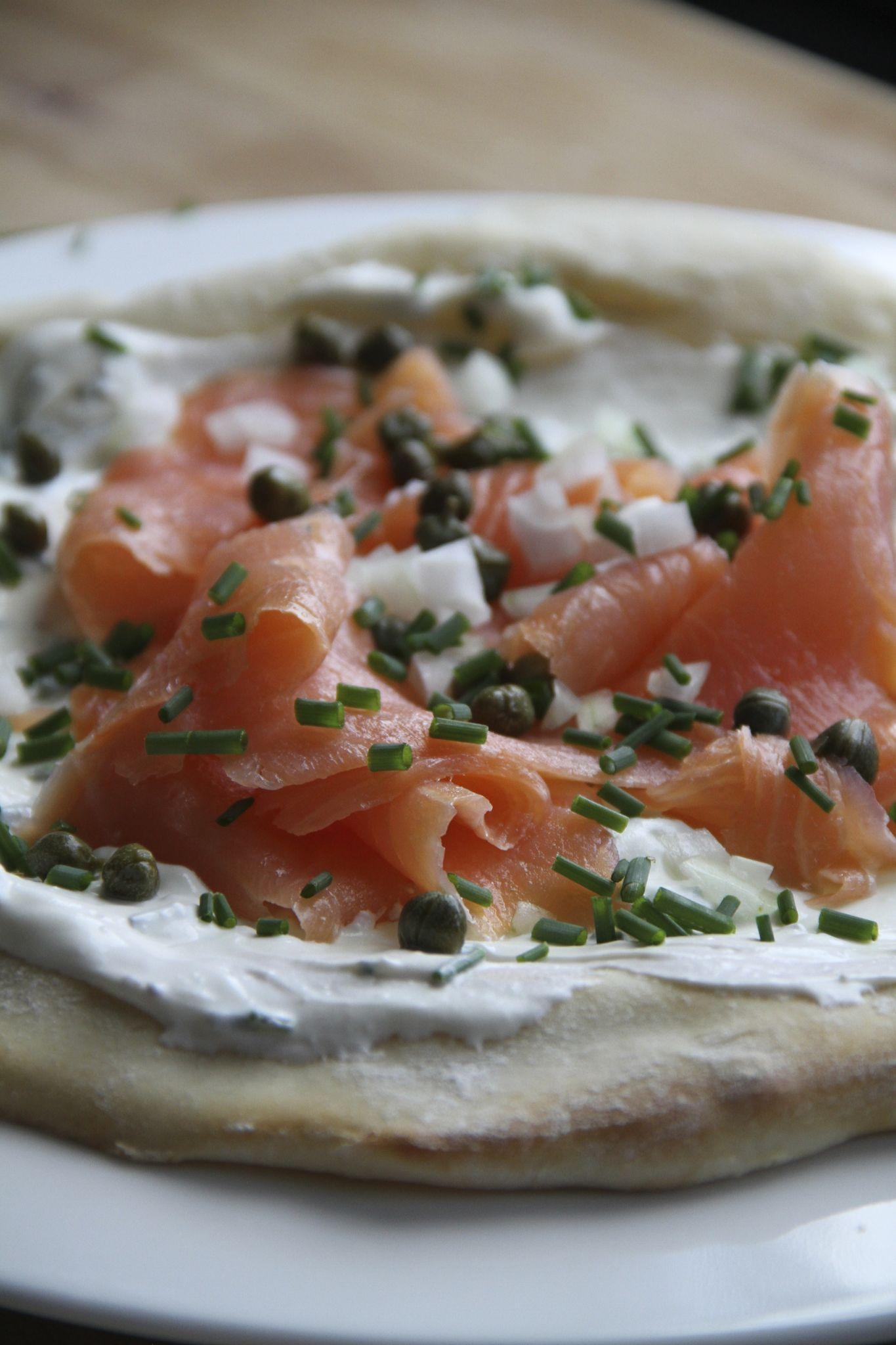 Pizza Fraiche Au Saumon Fume Et Aux Capres Galilou Cuisine