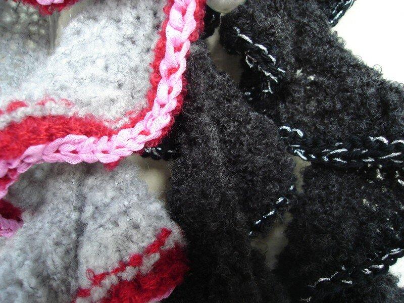 nouille noire/argent et gris/rose/rouge