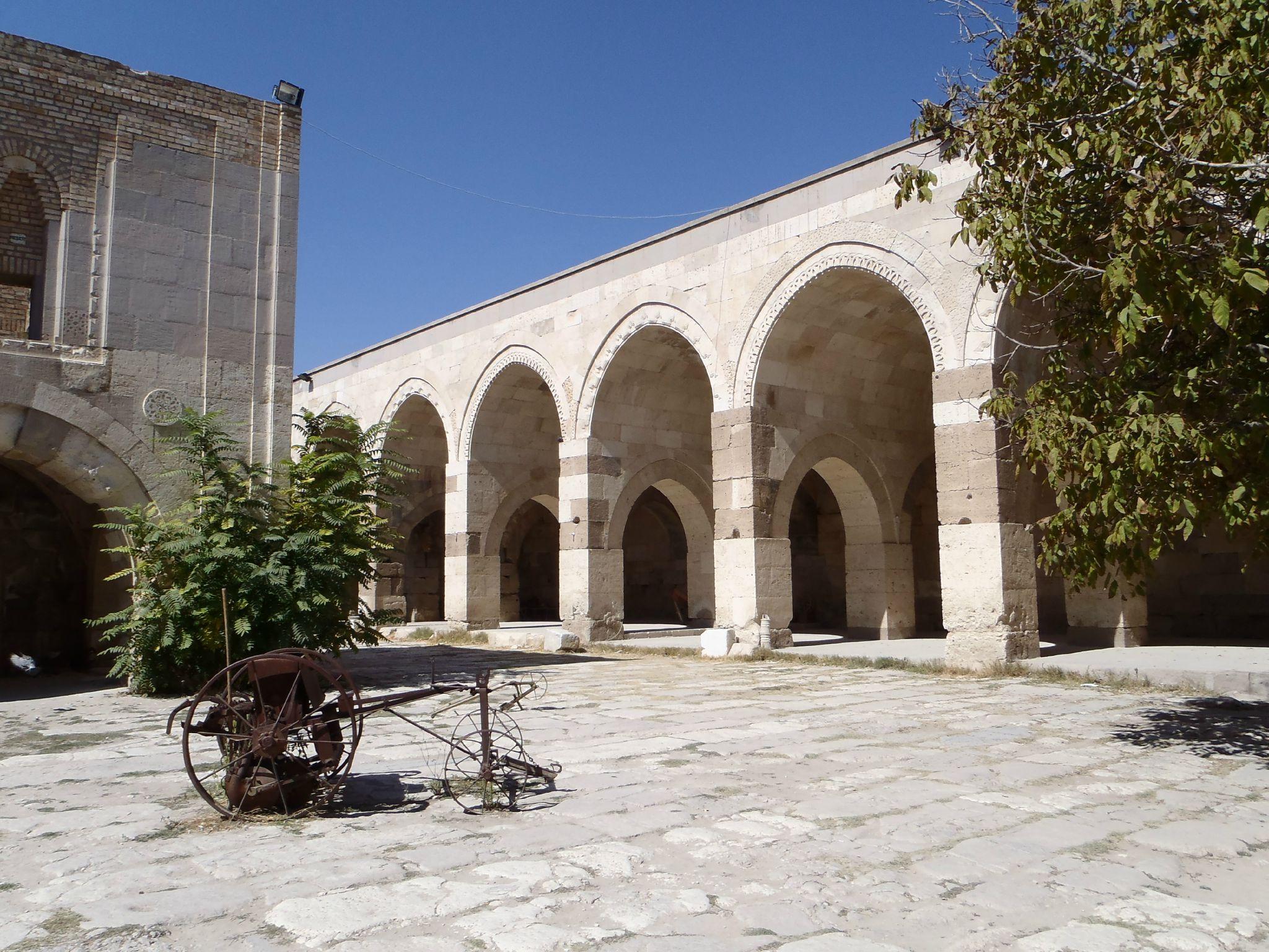 turquie caravanserail interieur sultanhani
