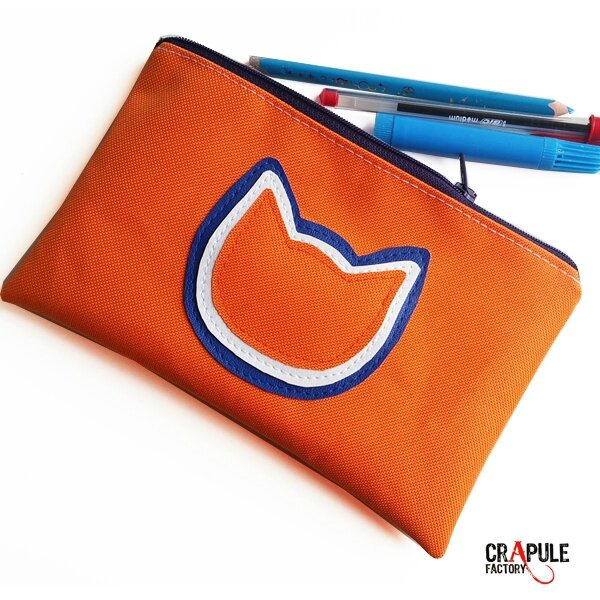 grosse-trousse-ecolier-chat-originale-pop-orange-applique-3-chats-superposes-bleu-blanc-orange-zip