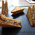 Club sandwich de pain d'epices au foie gras et noisette