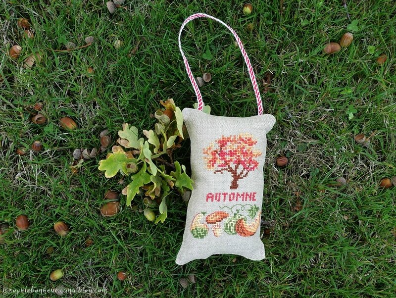coussin automne herbe