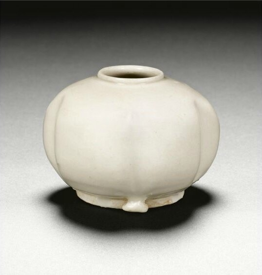 A white-glazed water pot, Tang dynasty (618-907)